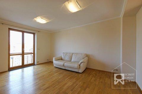 Obývací pokoj - pohled z předsíně
