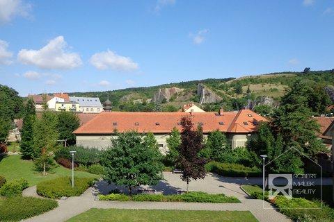 Výhled z balkonu a terasy