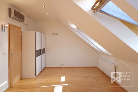 Ložnice - bez balkonu
