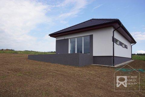 Pohled na dům - terasa