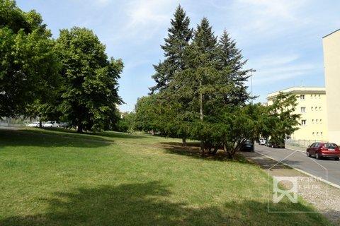 Park před domem