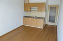 pokoj - pohled na kuchyň