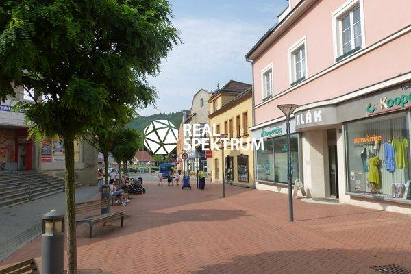 Pronájem, Obchodní prostory 62 m² - Blansko