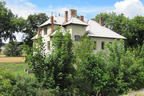 Prodej vily k rekonstrukci v Chornici