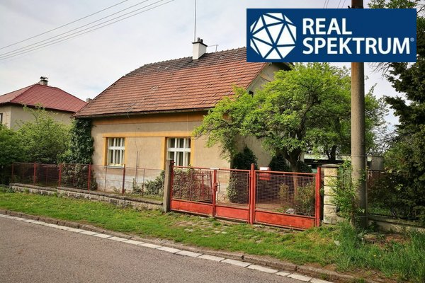 Prodej RD k rekonstrukci, Hofmeistrova ul., Jaroměř - Josefov, pozemek 846 m2