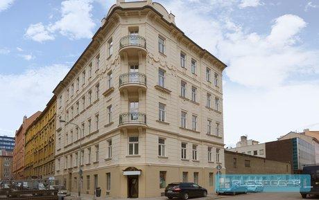 Prodej prostor vhodné na lékařské ordinace nebo na kancelářské, obchodní prostory o výměře 168 m2 s výlohou, Brno - město, Ev.č.: 29017