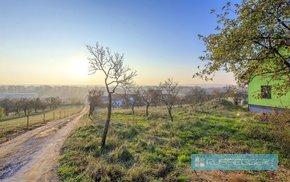 Prodej, stavební pozemek s krásným výhledem, 995 m² – Medlov, Ev.č.: 29495