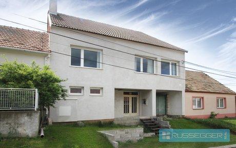 Prodej vícegeneračního rodinného domu (4 bytové jednotky), obytné podkroví, vinný sklep, Bořetice, Ev.č.: 29536