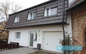 Prodej 2x RD o celkové užitné ploše 510 m2 s celkovou plochou pozemku o výměře 1896 m2, bazén, obec Vavřinec, Ev.č.: 29589