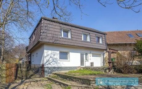 Prodej dvou rodinných domů vhodných provozovat jako penzion, 510 m2 s celkovou plochou pozemku o výměře 1896 m2, bazén, obec Vavřinec, Ev.č.: 29591