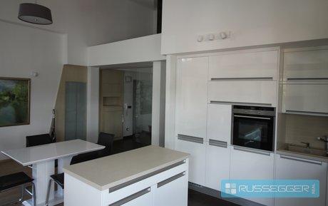Pronájem prostorného a vzdušného bytu 2+kk, 107 m2, půda, šatna, terasa, vyhrazené parkovací stání, Brno – Gorkého, Ev.č.: 29596