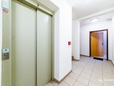 Výtah a vstup