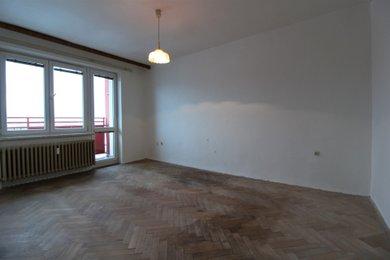 Prodej bytu 2+1, osobní vlastnictví, Rožnov pod Radhoštěm, ul. 1. máje, Ev.č.: 03193