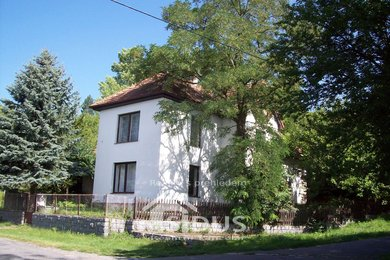 Prodej rodinného domu se zahradou ve Střemošicích, Ev.č.: 00002