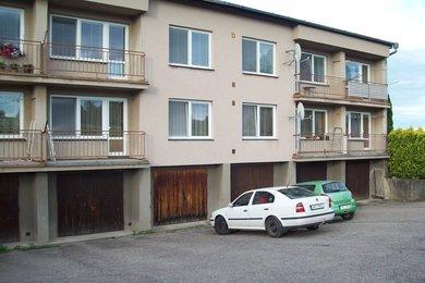 Pronájem bytu  4+1 s garáží a zahrádkou, Džbánov u Vysokého Mýto, Ev.č.: 00067