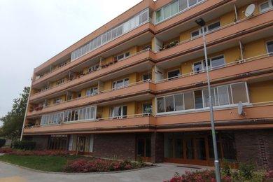 Prodej  zděného bytu 3+1 s velkou lodžií, Pardubice, Studánka, Ev.č.: 00081