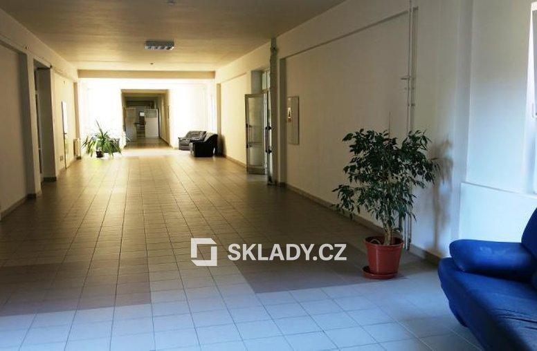 skladový a administrativní areál Běchovice