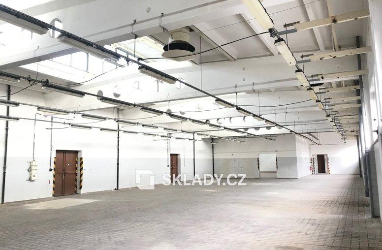 skladové prostory v patře  (1)