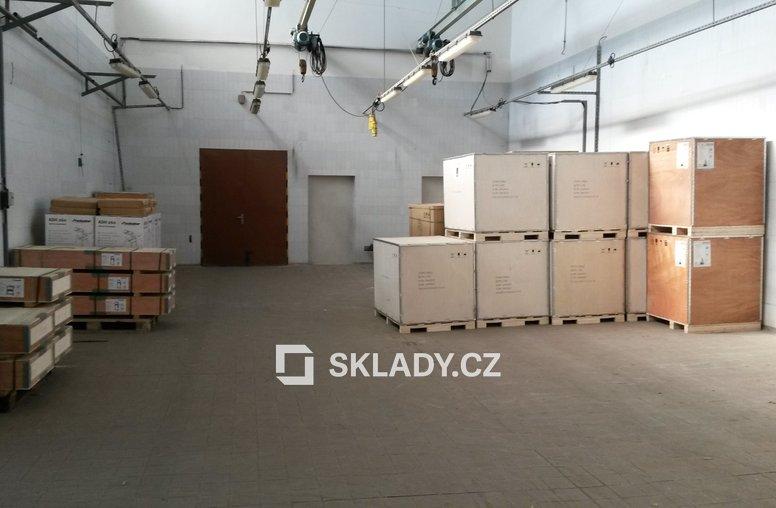 skladové prostory v patře  (3)