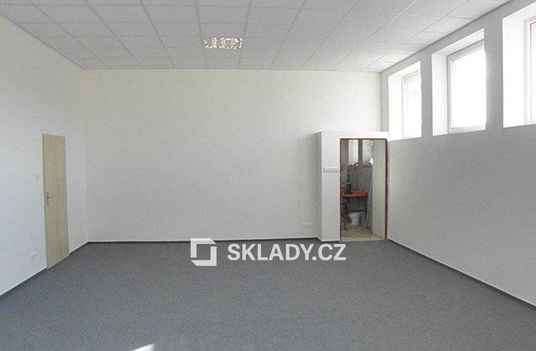 kancelář sklad 700 m2