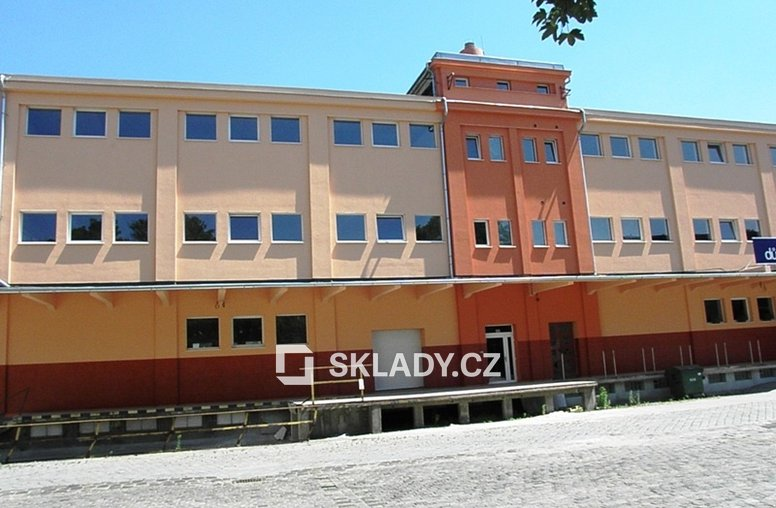 budova sklad 700 m2
