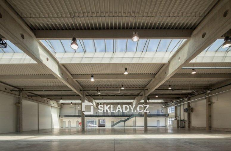 CTPark Prague airport - standard haly