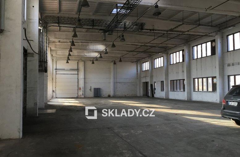 Hala 720 m2