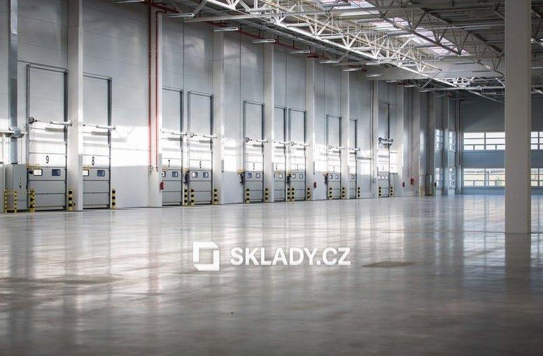 Brno Syrovice vnitřek haly