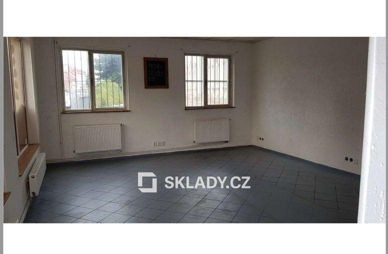 sklad 86 m2 - Chomutov.