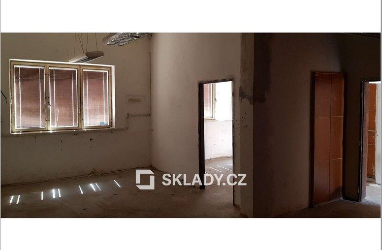 sklad 53 m2 Comutov..