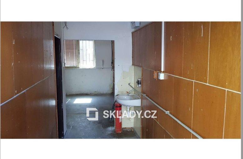 sklad 53 m2 Comutov