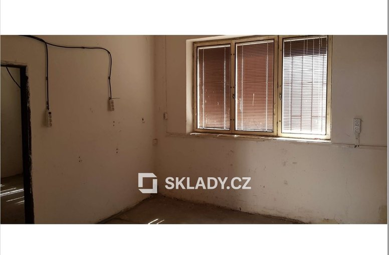 sklad 53 m2 Comutov.