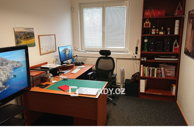 Kancelář8