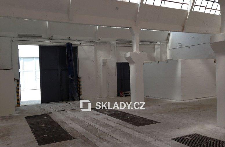 Brno - skladové prostory - 262 m2..