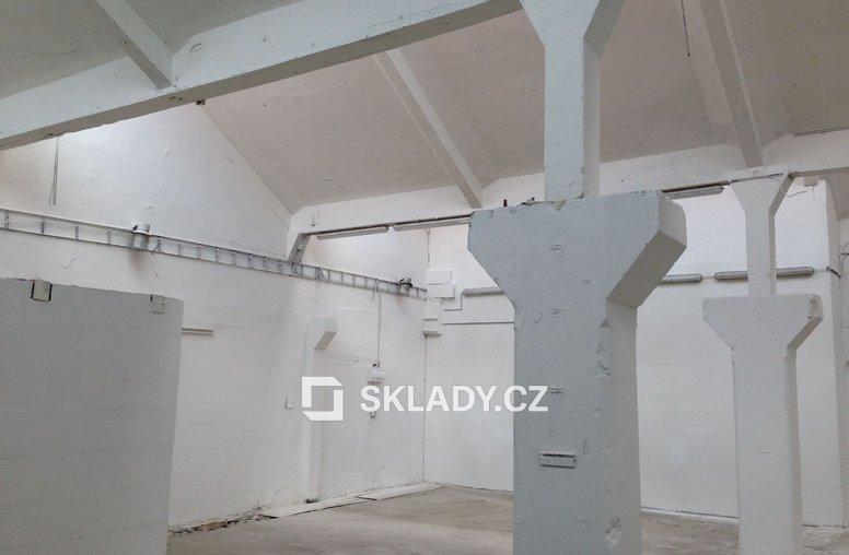 Brno - skladové prostory - 262 m2