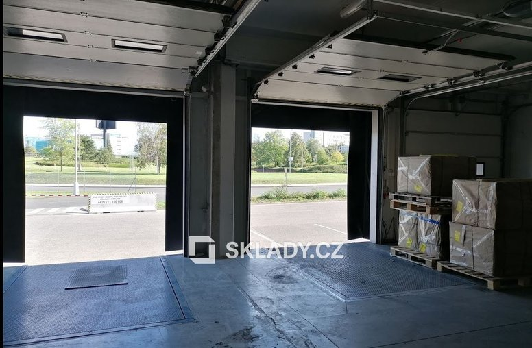 Sklad 75 m2 - letiště