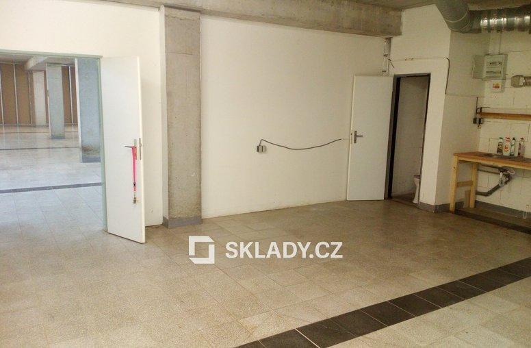 Sklad 430 m2 - Strašnice (2)