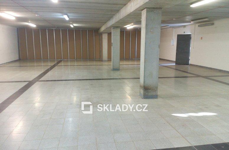 Sklad 430 m2 - Strašnice (3)