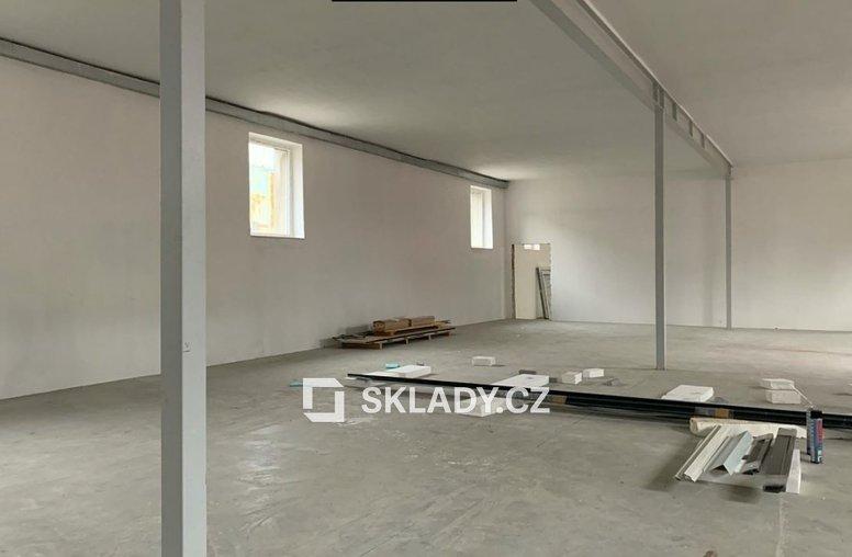 sklad 400 m2 - Horní Počernice.