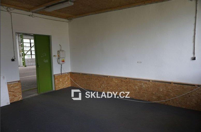 ZB Real Slavkov 1 000 m2-.
