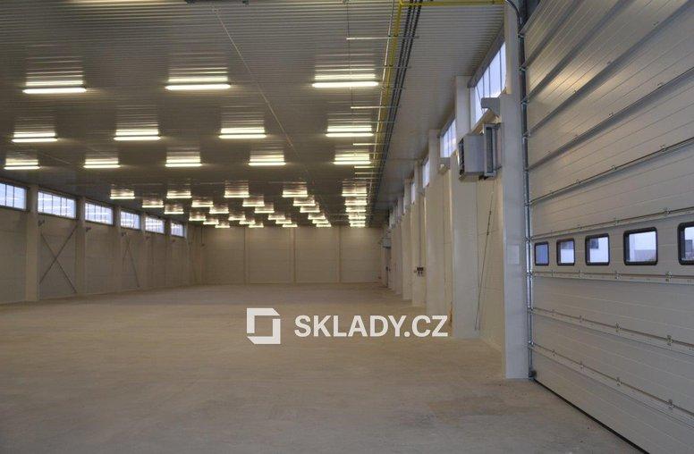 Skladová hala 1600 m2 (3)