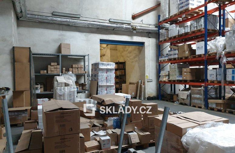 skladové prostory 1000 m2 - Čakovice (3)