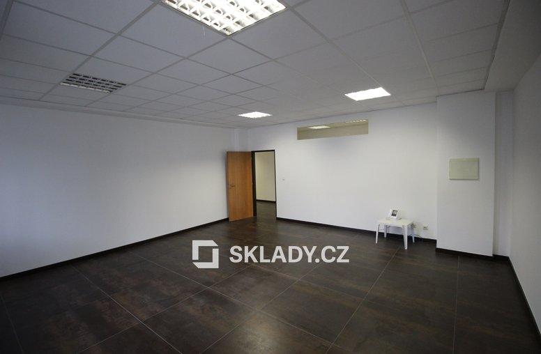skladové prostory 1736 m2 (4)