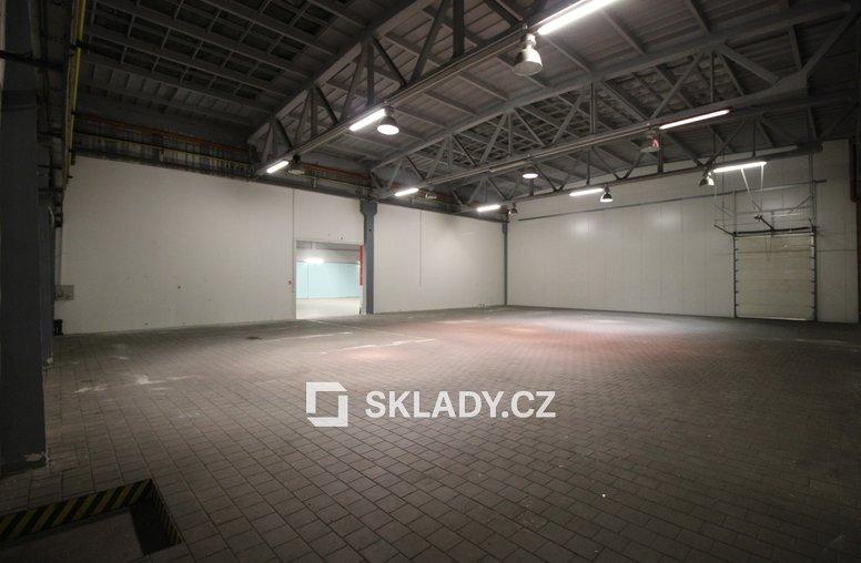 skladové prostory 1736 m2 (3)