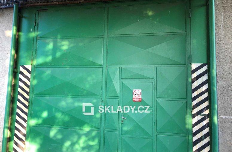 Hala 1 000 m2 - vrata