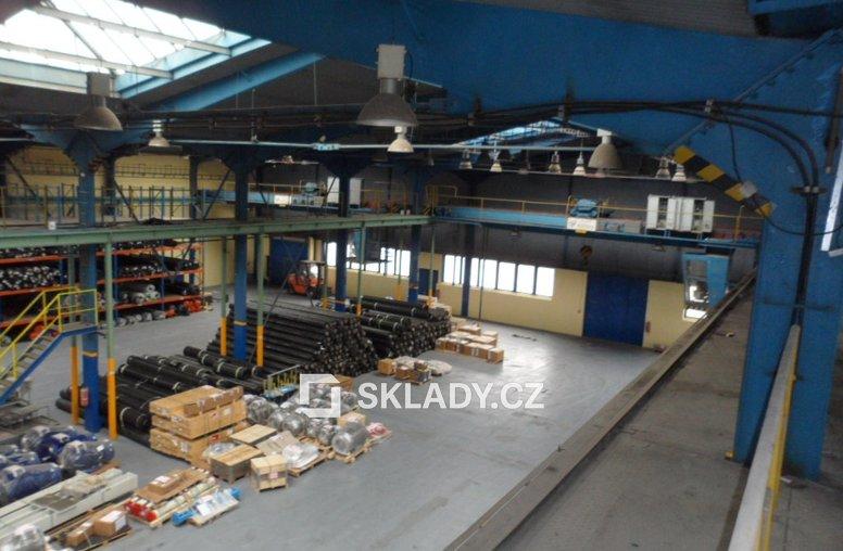 Skladové prostory 3 950 m2 (6)