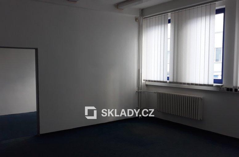 Kancelářské místnosti v budově A o ploše 30 – 31m2 (2)