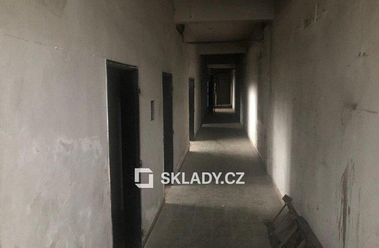 Skladové prostory 1 150 - Hostivař (1)