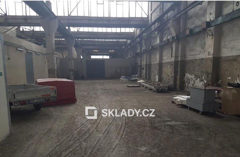 skladová hala 1400 m2