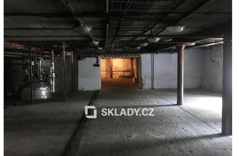stí nad Labem - skladové prostory..